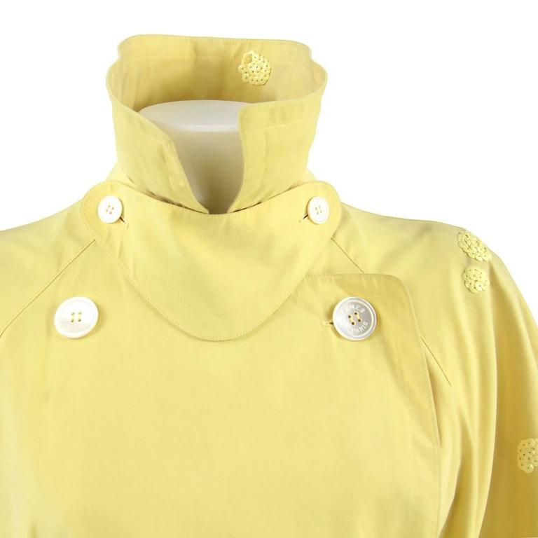 1980s Hermès yellow Raincoat For Sale 3