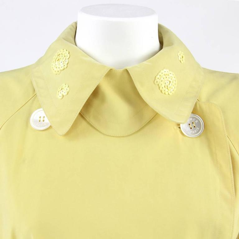 Women's 1980s Hermès yellow Raincoat For Sale