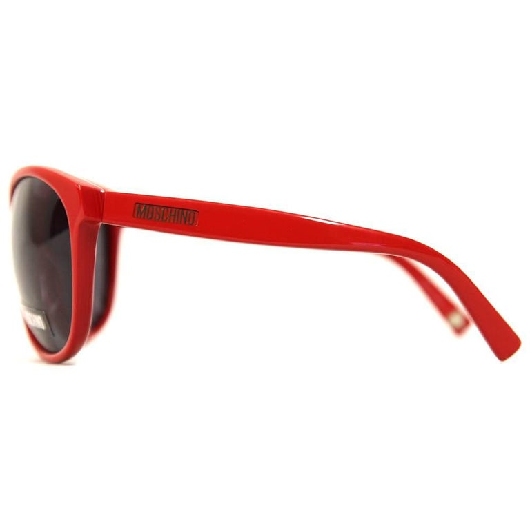 8e74aabac9 1990s Moschino Red Heart Sunglasses For Sale at 1stdibs