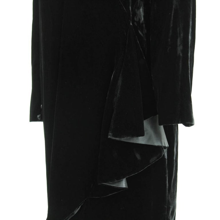 90a7184332 1980s Mila Schon Black Velvet Dress In Good Condition For Sale In Lugo (RA)