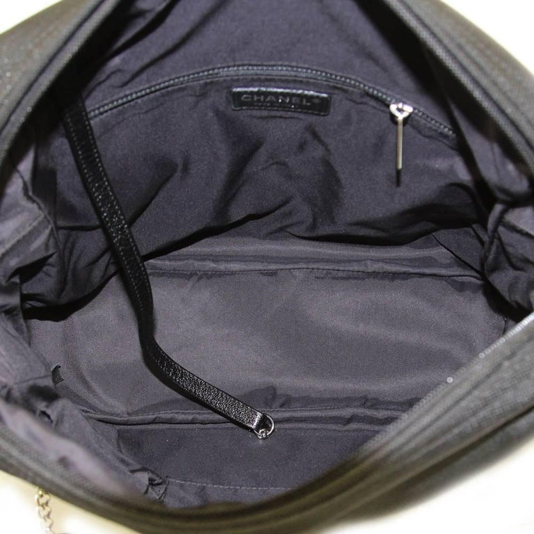 2000s Chanel Black Leather and Nylon Backpack For Sale 2