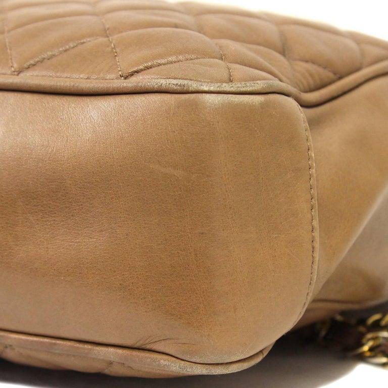 1990s Chanel Brown Leather Matelassé Bag For Sale 4