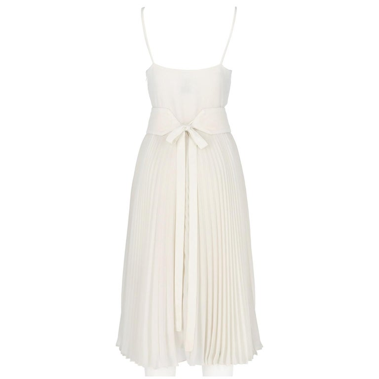 1980s Nina Ricci White Pleated Wedding Dress In Excellent Condition For Sale In Lugo (RA), IT