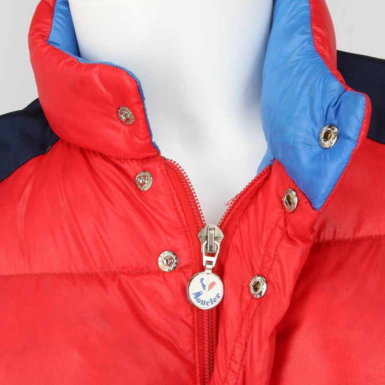 1990s Moncler Red Vintage Quilted Jacket For Sale 3