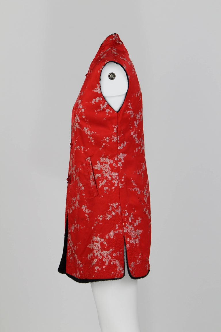 1960S Ethnic Red Floral Vest In Good Condition For Sale In Lugo (RA), IT