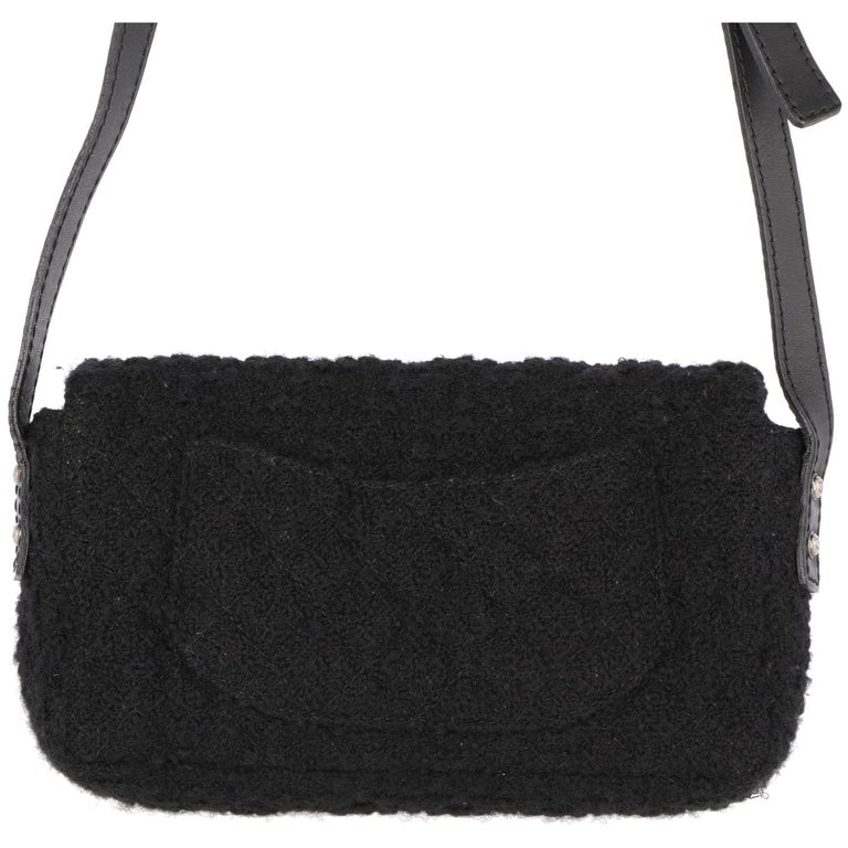 2008-2009s Chanel Black Tweed Vintage Bag In Good Condition For Sale In Lugo (RA), IT