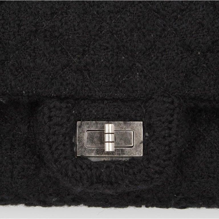 2008-2009s Chanel Black Tweed Vintage Bag For Sale 3