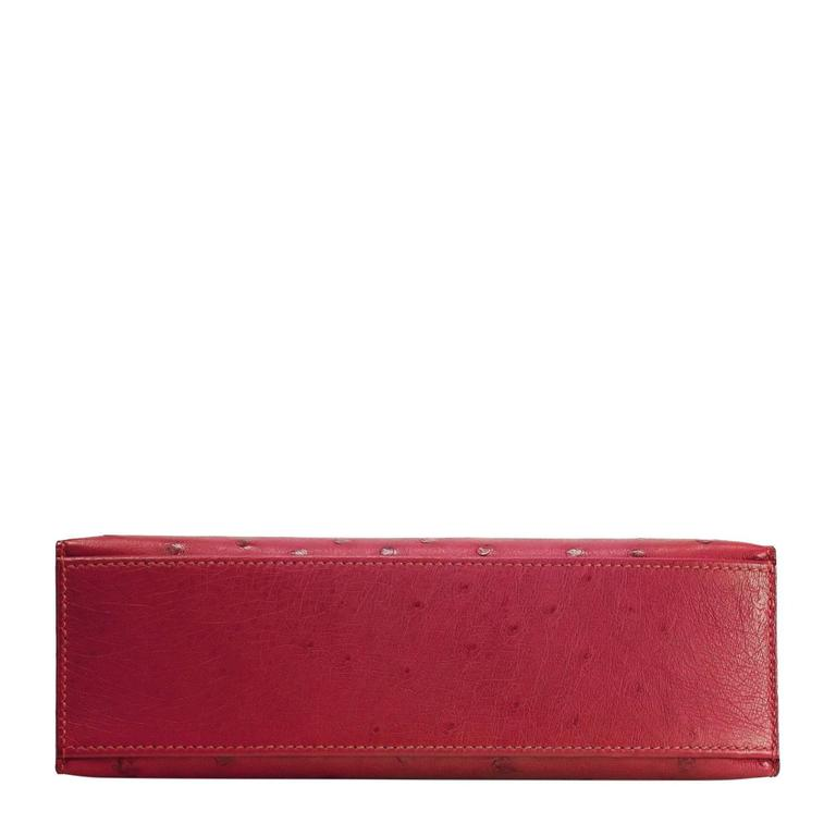 Hermes kelly pochette ostrich leather rouge vif bright - Coloration rouge vif ...