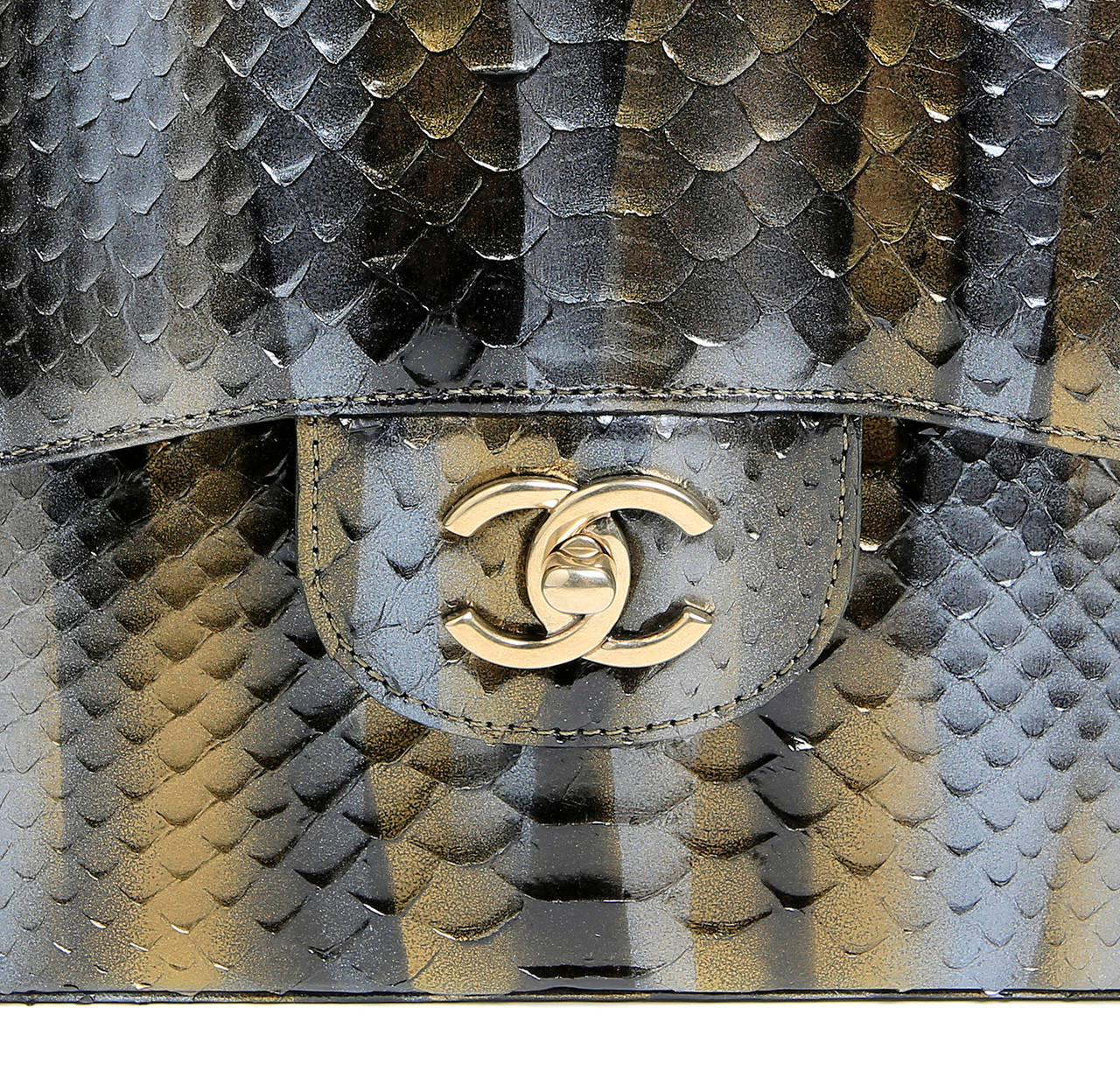 Women's Chanel Jumbo Classic Metallic Python- Double Flap For Sale