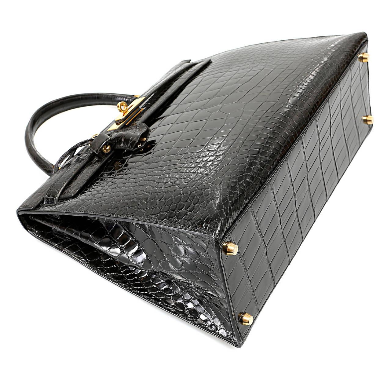 Hermes Black Alligator Kelly Bag- 35cm with Gold For Sale at 1stdibs