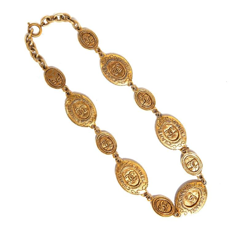 Chanel Oval Coin Necklace In Excellent Condition For Sale In Malibu, CA