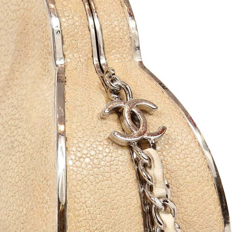 Chanel Beige Stingray Evening Clutch with Crossbody Strap 5