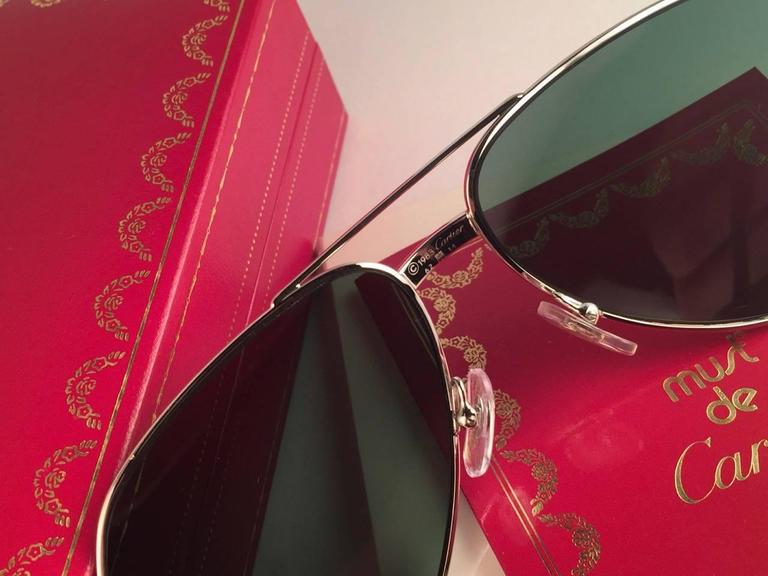 New Cartier Aviator Platinum 62mm Large Vendome Grey Lenses Sunglasses France In New Never_worn Condition For Sale In Amsterdam, Noord Holland