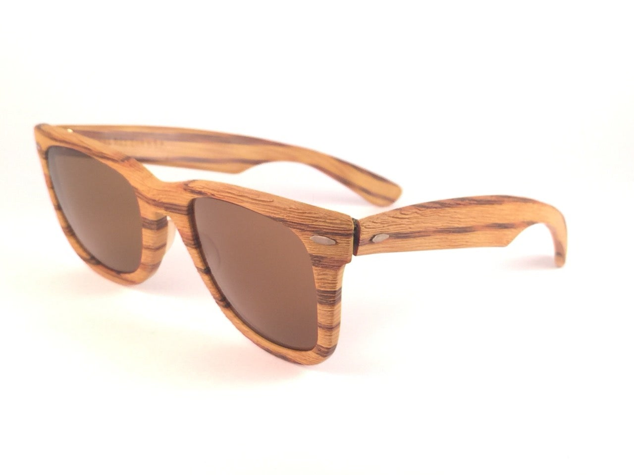 7ac80522d5e New Ray Ban The Wayfarer Woodies Teak Edition Collectors USA 80 s Sunglasses  For Sale at 1stdibs