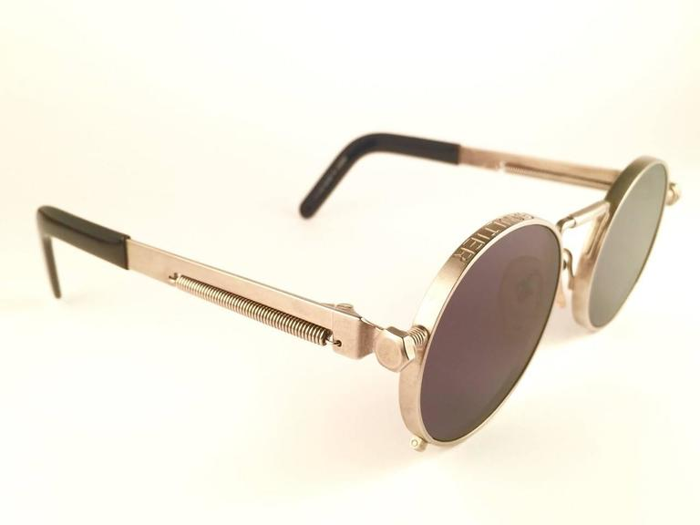 New Jean Paul Gaultier 56 8171 Round Gun Metal Silver Matte Frame 1990's Japan   In New never worn Condition For Sale In Amsterdam, NL