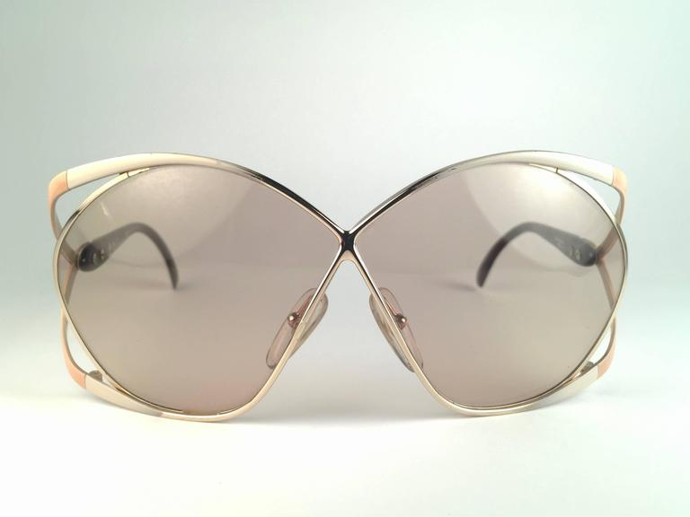 b95d9e7edcc New Vintage Christian Dior 2056 70 Butterfly Gold White and Beige ...