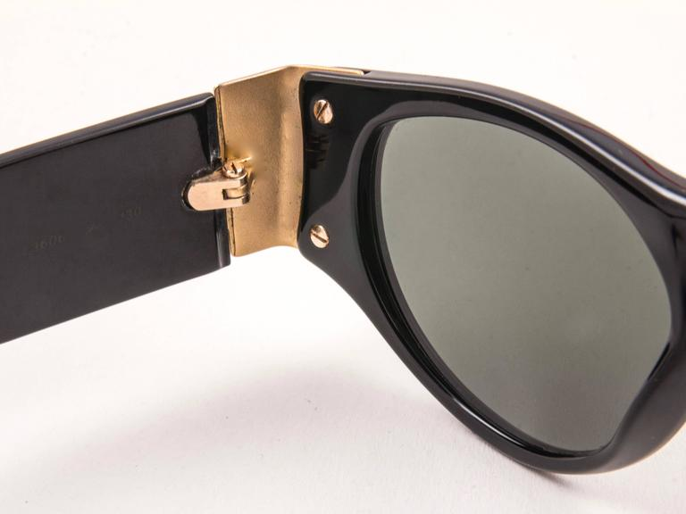 Women's or Men's New Vintage Karl Lagerfeld L3606 Black Grey Lens 1990 Germany Sunglasses For Sale