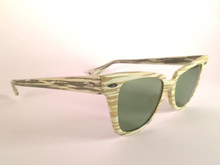 4c1ae83d5d1 New Ray Ban 1960 s Mint Green Mid Century Black G15 Lenses B L USA  Sunglasses