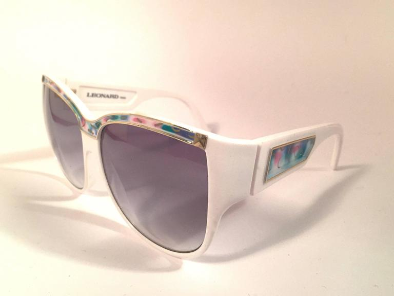 New Vintage Leonard LE1406 White Mosaic 1970's France Sunglasses In New never worn Condition For Sale In Amsterdam, NL