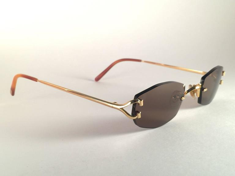 0e3f5314018b Women s or Men s New Vintage Cartier Capri Gold 49mm Rimless Brown Lens France  Sunglasses For Sale