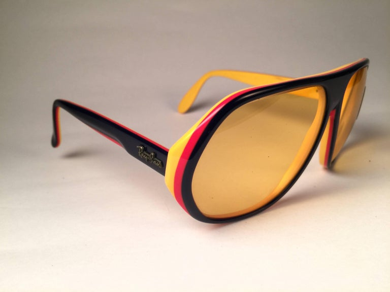 New Vintage Ray Ban B&L Blazer Ambermatic Mirror Lenses Sunglasses USA In New Condition For Sale In Amsterdam, Noord Holland