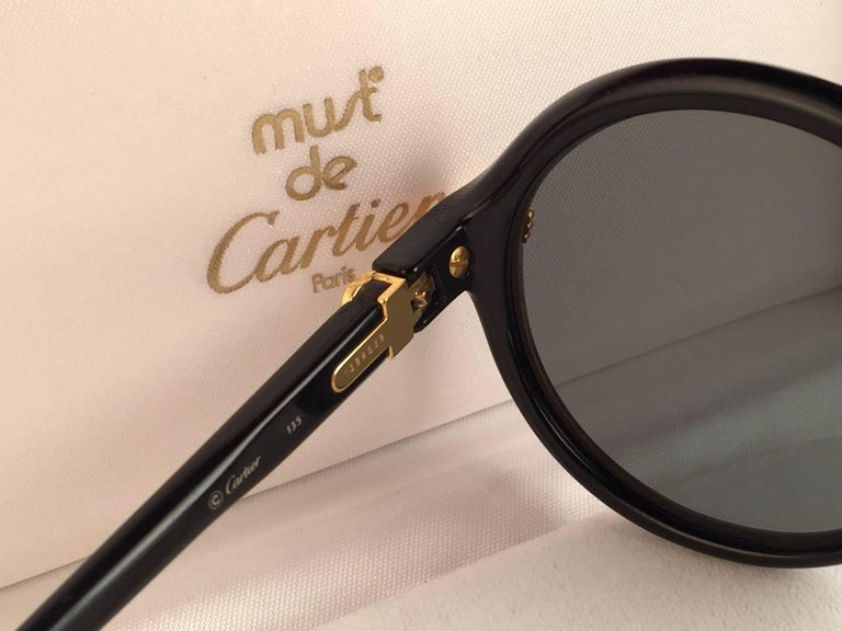 Women's or Men's New Cartier Cabriolet Round Black & Gold 49MM 18K Gold Sunglasses France 1990's For Sale