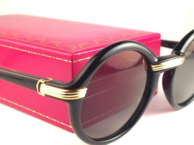 New Cartier Cabriolet Round Black & Gold 49MM 18K Gold Sunglasses France 1990's For Sale 2