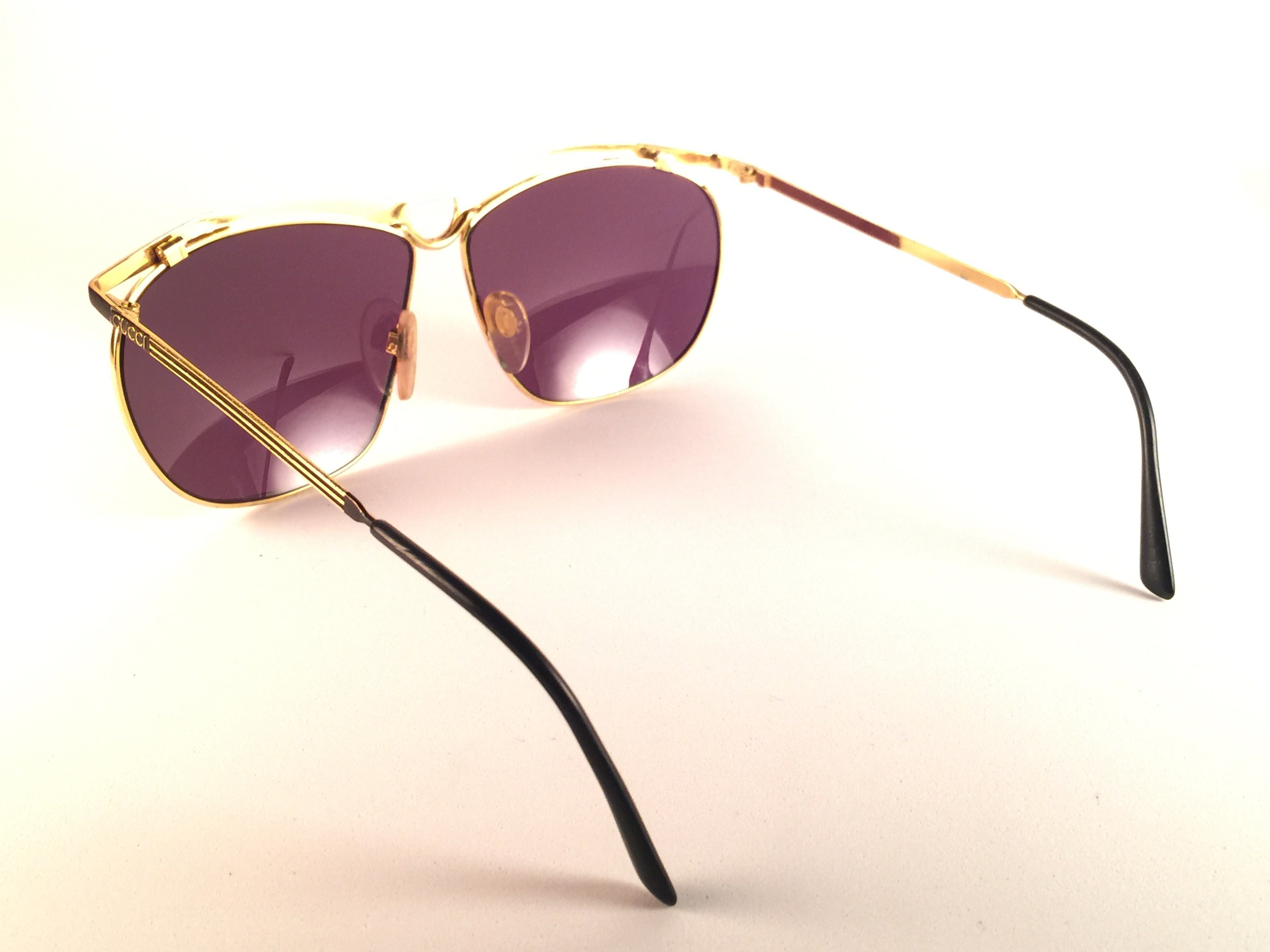97882b900f8 New Vintage Gucci GG Black and Gold Sunglasses 1990 s Made in Italy For  Sale at 1stdibs