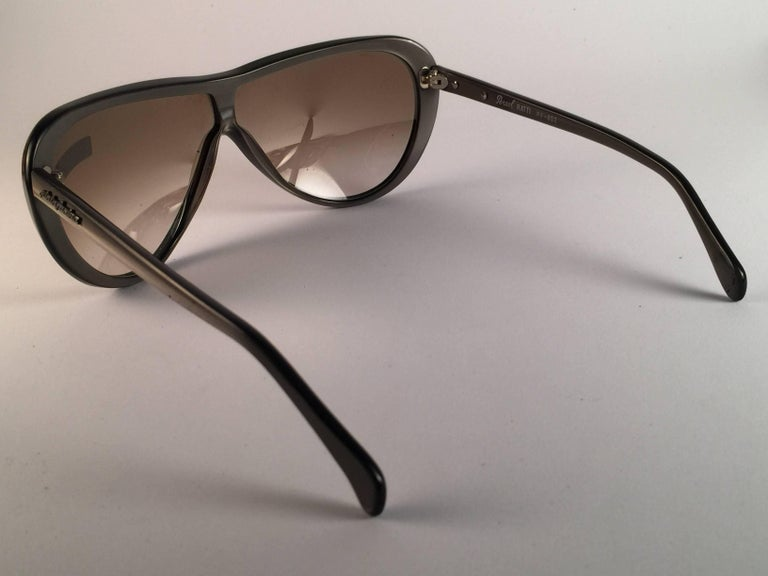 New Vintage Persol Ratti Pininfarina Grey Metal Made in Italy Sunglasses 1980's In New Condition For Sale In Amsterdam, Noord Holland