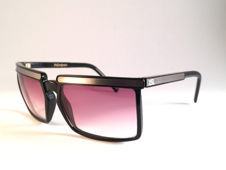 New Vintage Yves Saint Laurent YSL 7951 1980 France Sunglasses In New Condition For Sale In Amsterdam, Noord Holland