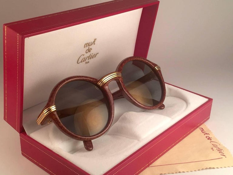 New Cartier Cabriolet Round Brown 52MM 18K Gold Sunglasses France 1990's For Sale 5