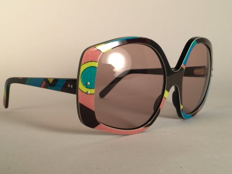 New Vintage Emilio Pucci signature pattern multicolor frame with spotless lenses. Made in France. Produced and design in 1970's.   A collector's piece! New, never worn or displayed. It has light wear due to 40 years of storage.