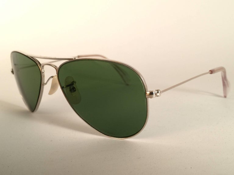 New Vintage Ray Ban Aviator 12K Gold Grey Lens Kids Edition B&L Sunglasses In New Condition In Amsterdam, Noord Holland