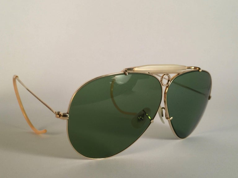 Brown New Ray Ban Shooter 1950's Rare Classic 12K Gold Filigree USA Sunglasses For Sale