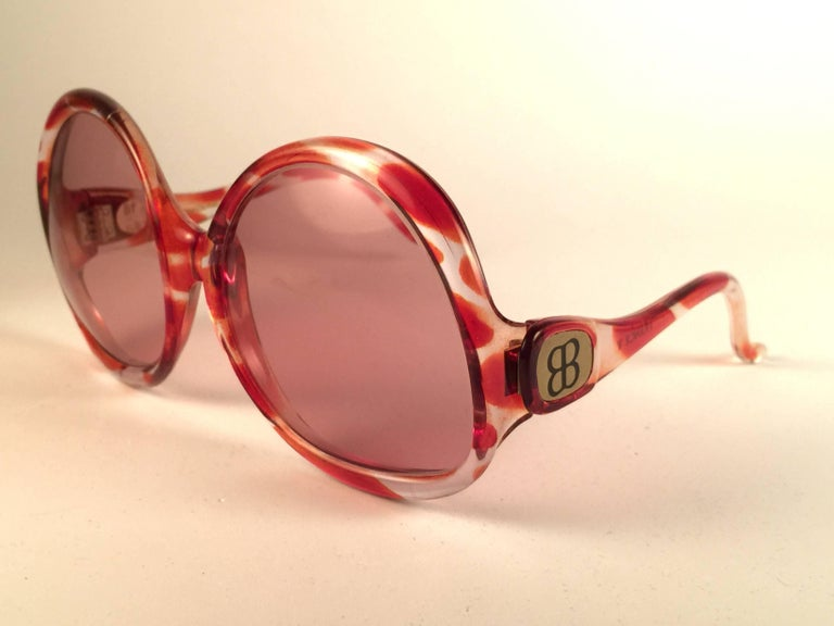 New Vintage Balenciaga Clear & Amber Oversized Sunglasses 1970's Sunglasses In New never worn Condition For Sale In Amsterdam, NL
