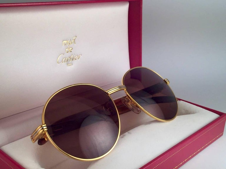 New Cartier Wood Bagatelle Round Gold & Precious Palisander 52mm Brown Lens For Sale 2