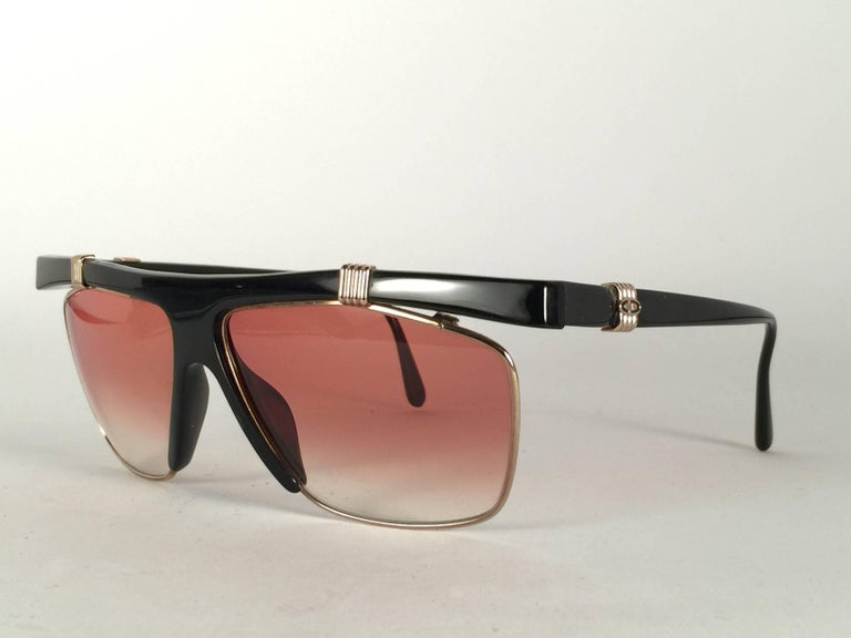 New Vintage Christian Dior 2555 Black & Gold Frame Optyl Sunglasses Germany In New Condition For Sale In Amsterdam, Noord Holland