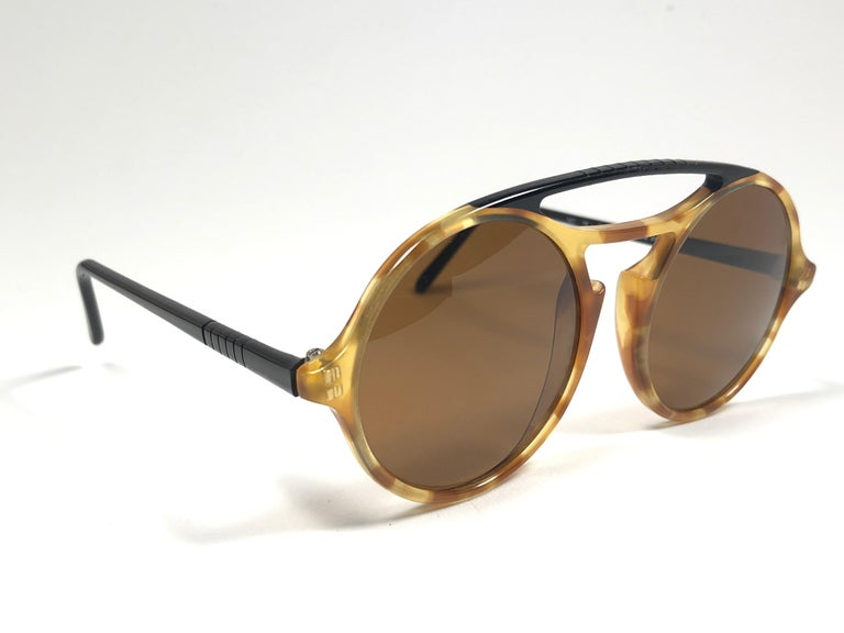 Brown Persol Vintage 650 Round Tortoise Sunglasses, 1990  For Sale