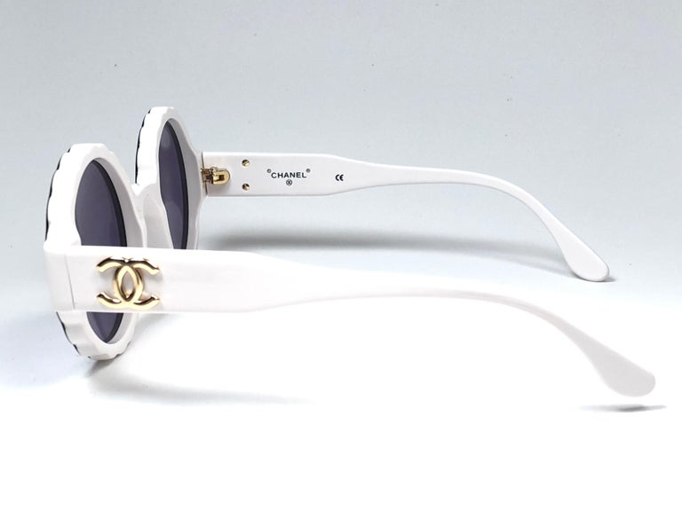 Gray New Vintage Chanel Spring Summer 1993 Camelia Sunglasses Made In Italy For Sale