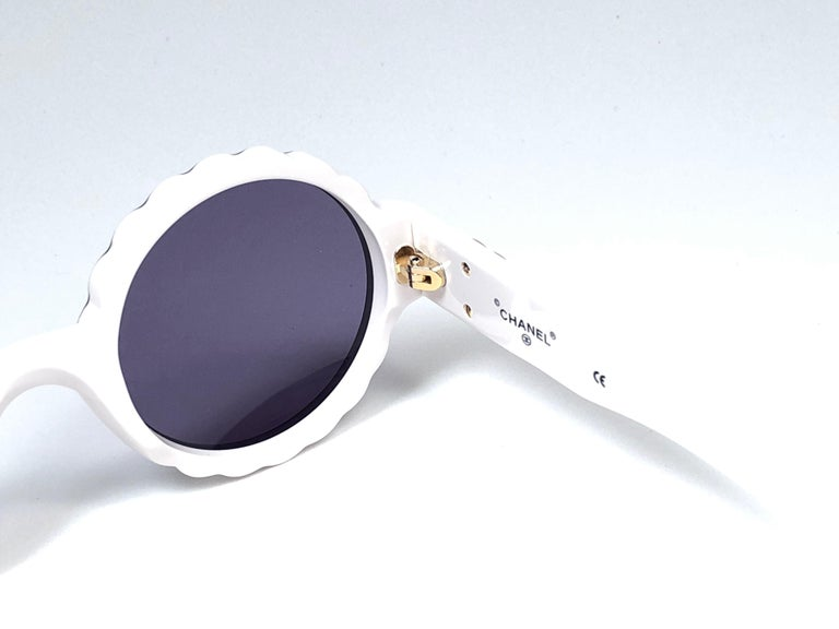 Women's or Men's New Vintage Chanel Spring Summer 1993 Camelia Sunglasses Made In Italy For Sale