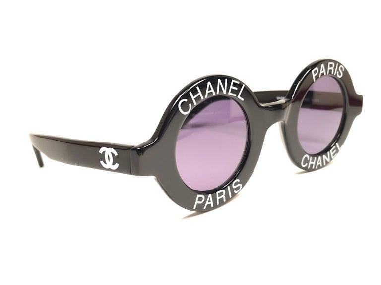 5afffafec879 New Vintage Chanel Iconic Round