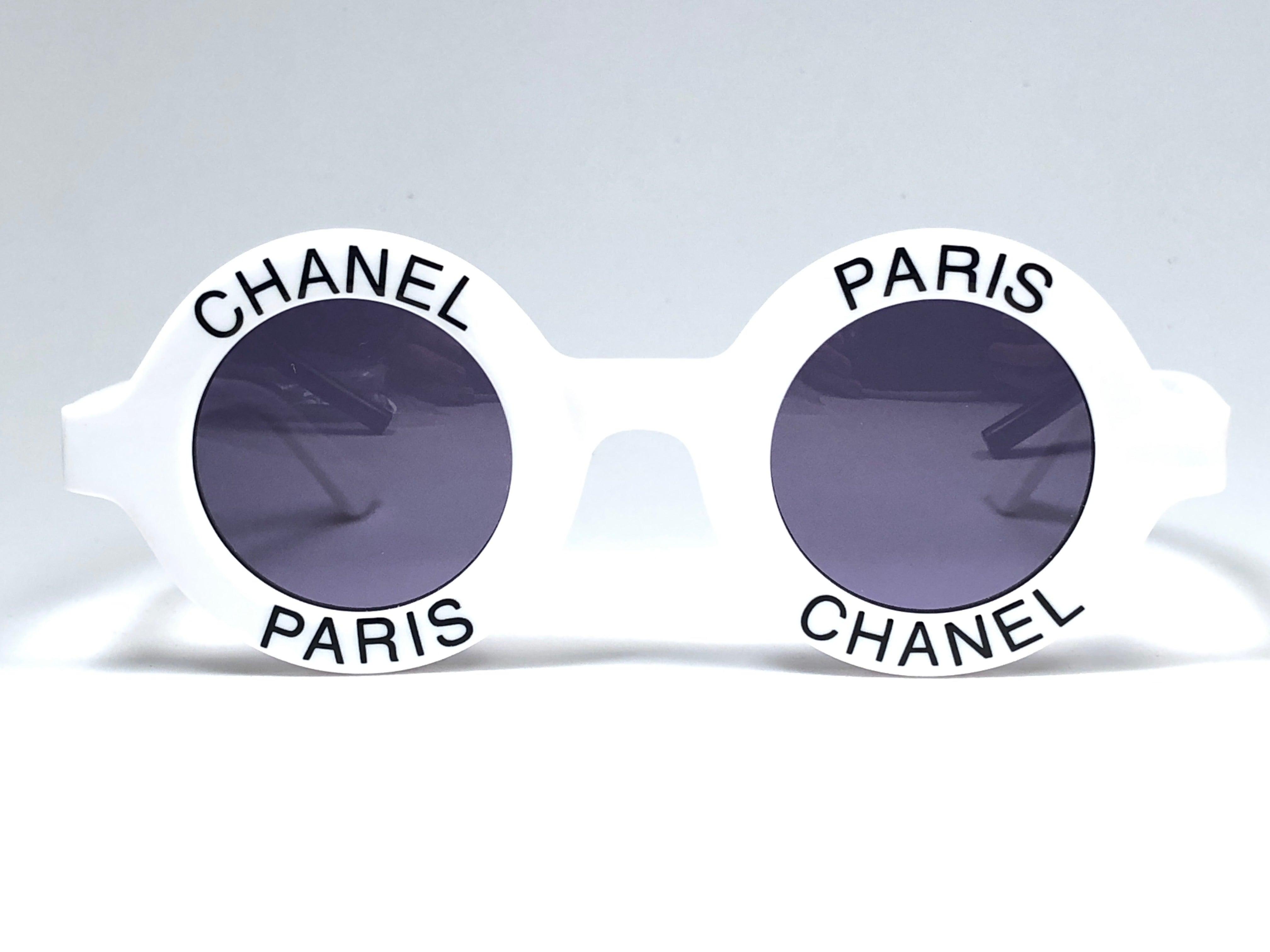 eab7f4a32 Chanel Vintage Round