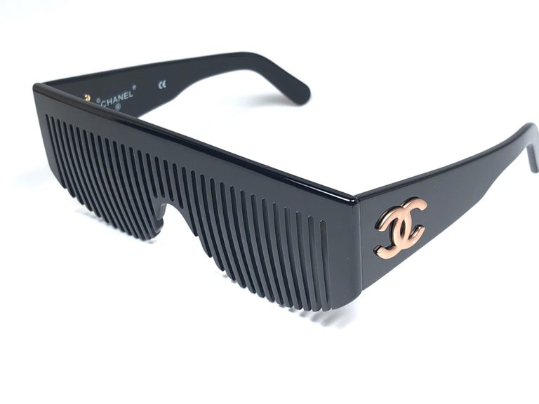 c4b6cb647d6 Women s or Men s Vintage Chanel Vintage Black Comb Made In Italy Sunglasses  1993 For Sale