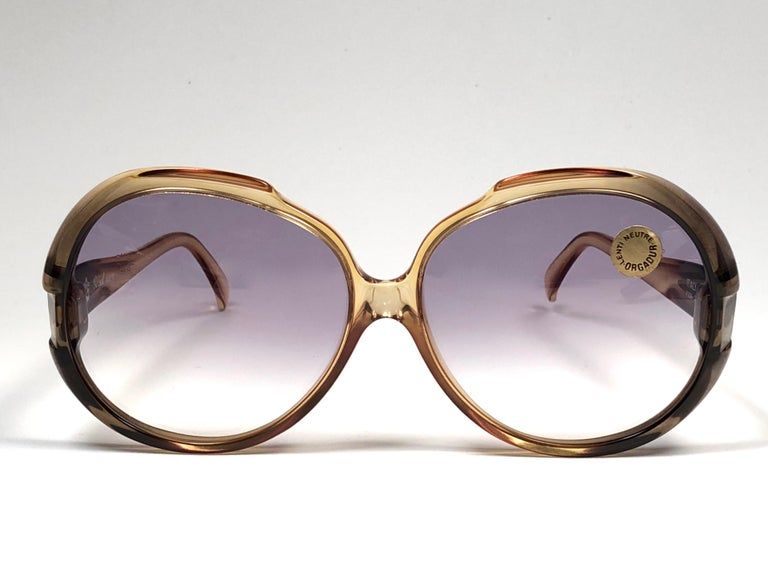 New Persol Ratti oversized frame with light gradient lenses.  Made in Italy.   Produced and design in 1990's.