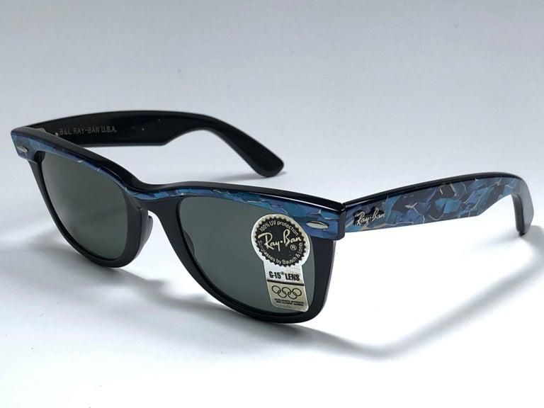 New Ray Ban The Wayfarer Blue / Black B&L G15 Grey Lenses USA 80's Sunglasses For Sale 1