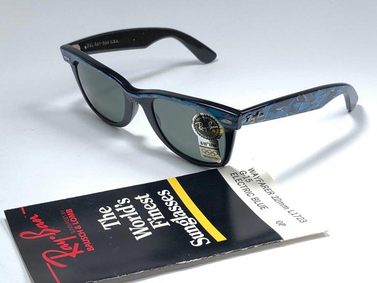 New Ray Ban The Wayfarer Blue / Black B&L G15 Grey Lenses USA 80's Sunglasses For Sale 2