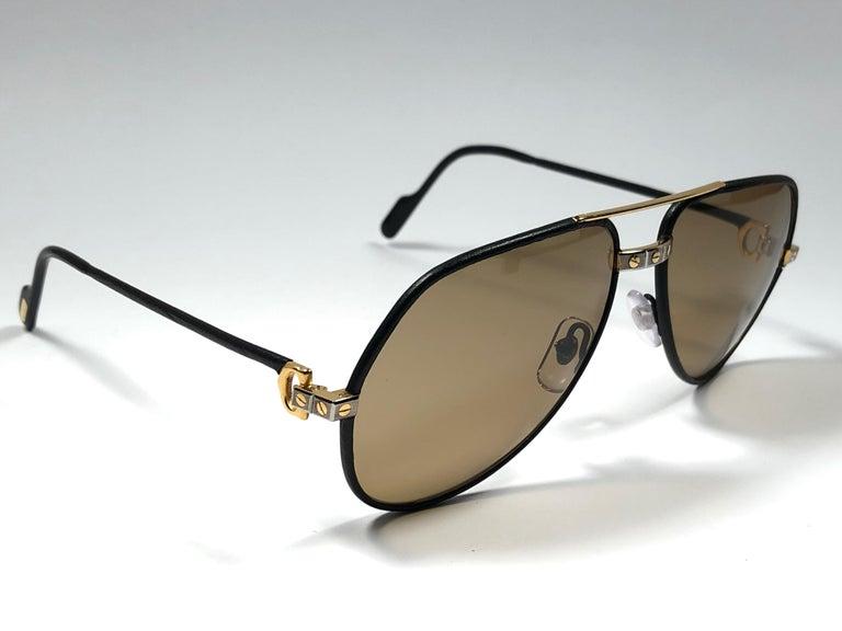 4f3d1d1945 Women s or Men s Rare Vintage Cartier Santos Screws Leather Edition 59mm  18K Sunglasses France For Sale