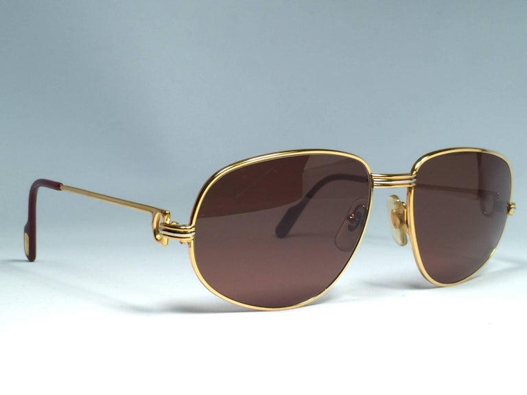 New Vintage Cartier Romance Vendome 54MM France 18k Gold Plated Sunglasses In New Condition For Sale In Amsterdam, Noord Holland
