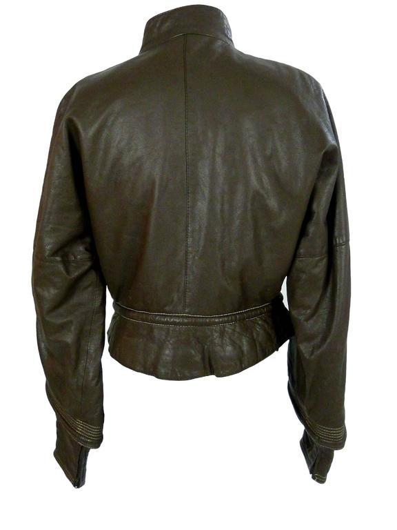 Women's Gianfranco Ferrè vintage 1980s women's brown leather motorcycle jacket size 46 For Sale