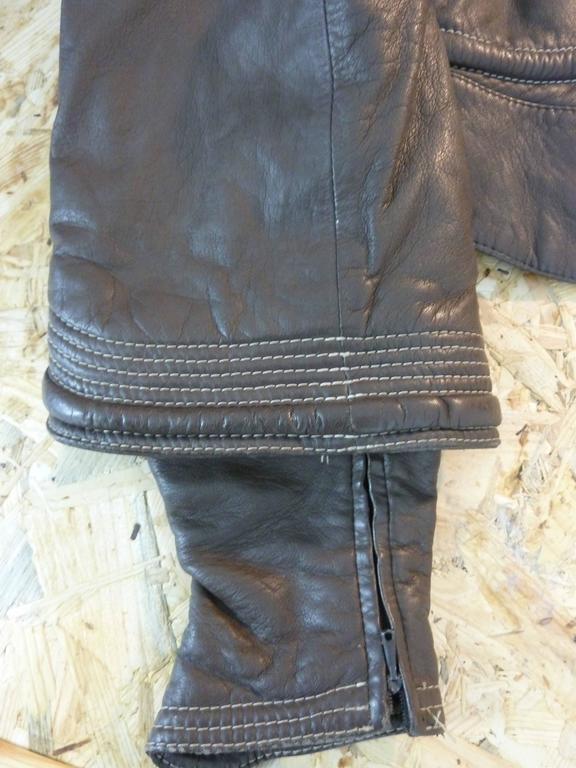 Gianfranco Ferrè vintage 1980s women's brown leather motorcycle jacket size 46 For Sale 1